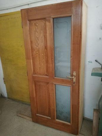 Vând ușă de interior din lemn stratificat de brad/pin