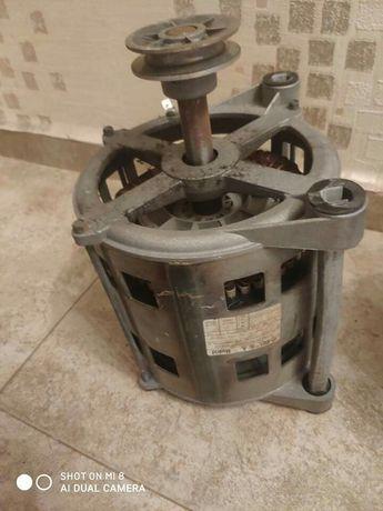 Мотор за пералня Бош