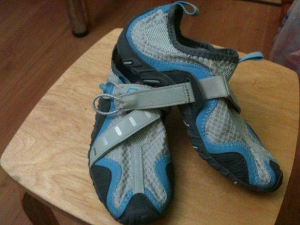 Обувь для серфинга