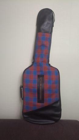 Продам советский кожаный чехол для электро гитары.