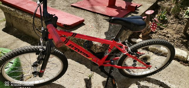 Vând bicicleta copil