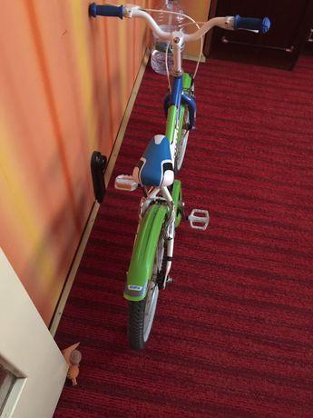 Продавам децко колело за момче в много добро състояние