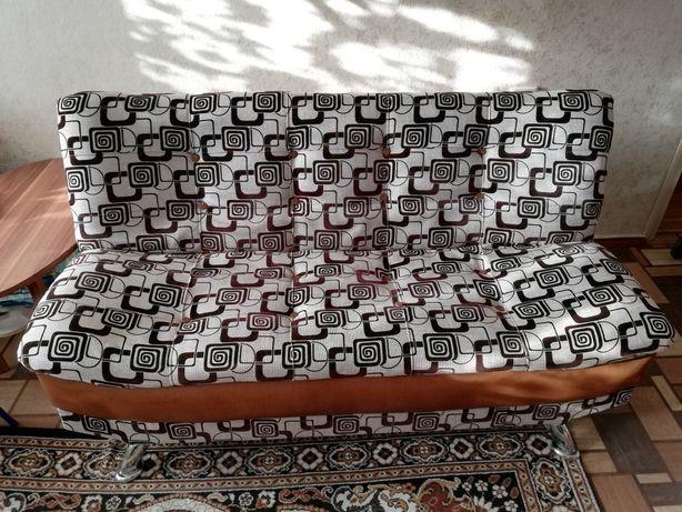 Диван, 2 кресла для гостиной