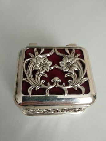Cutie / caseta pentru bijuterii