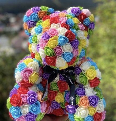 Ursulet cadou ideal figurina din trandafiri de spuma de 40 cm in cutie