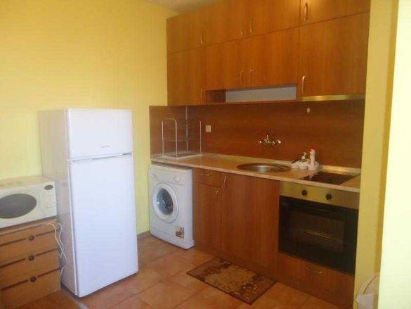Изгоден двустаен апартамент в Славейков