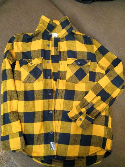 Ризка момче риза
