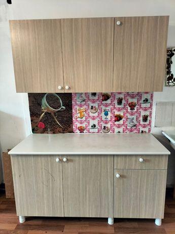 Продам кухоныие шкафы