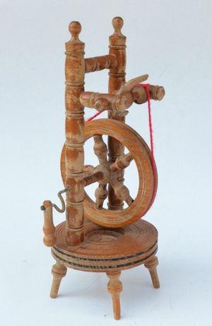 Vartelnita veche din lemn - miniatura - 27 cm