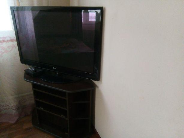 Телевизор Большой маленький фирма сони