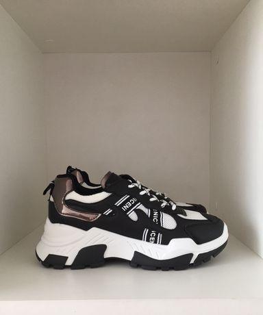 Adidasi alb-negru