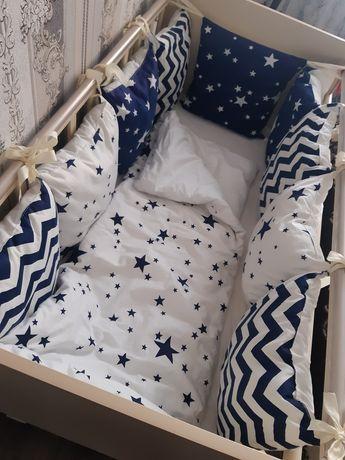 Продам детскую кровать с бортиками в отличном состоянии
