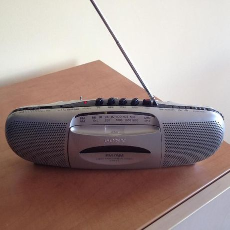 Сони радио Sony запазено