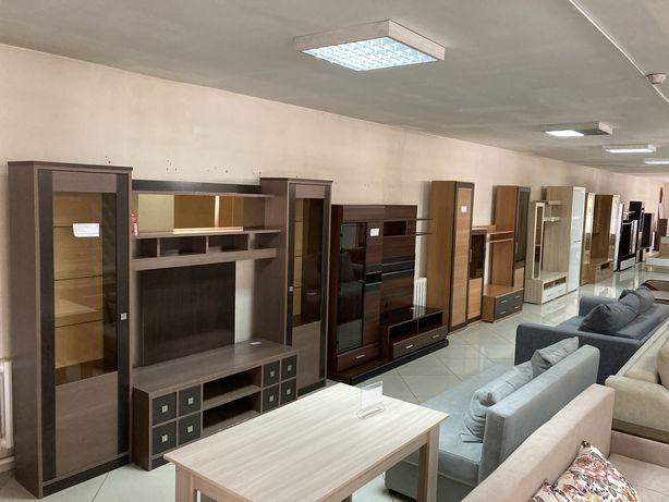 Магазин б\у мебели реализует горки стенки Доставка сборка бесплатно