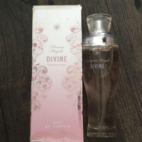 Parfum Divine de la Victoria's Secret