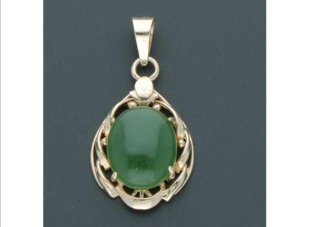Pandantiv din aur de 18 k cu jad natural