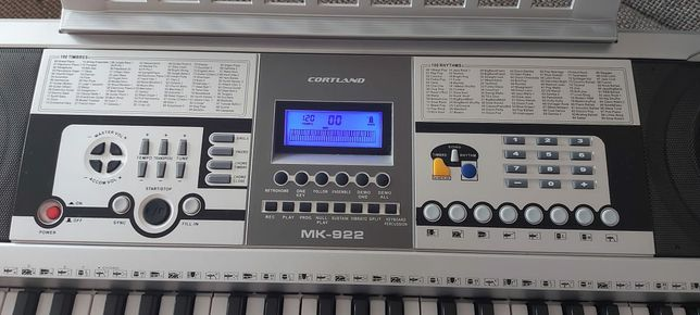 Срочно продаю синтезатор