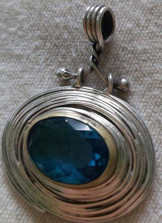 Pandant de argint ,925,lucrat manual, cu piatră London Blue Topaz!