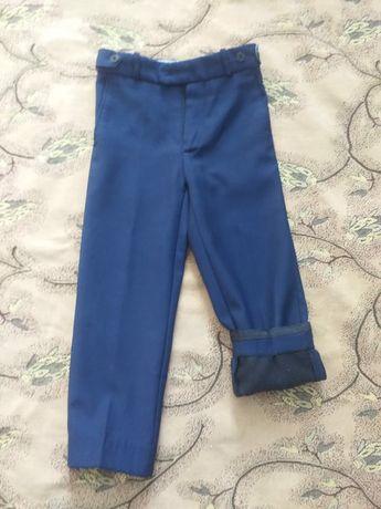 Продам школьные брюки