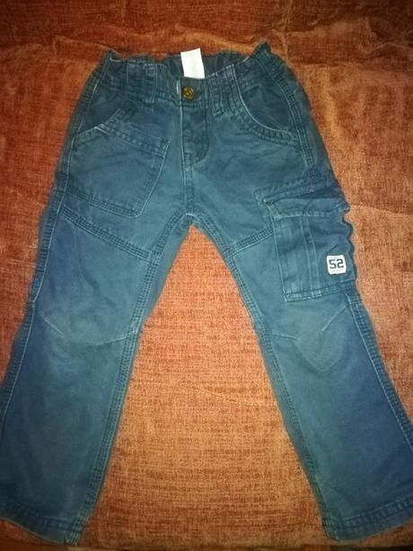 Pantaloni mărime 2-4ani