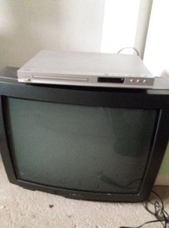 vind 3 televizoare!