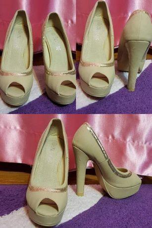 Pantofi+cadou