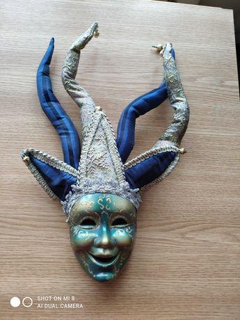 Masca venețiană din porțelan