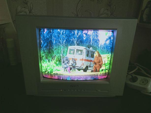 Телевизор цветной (маленький)