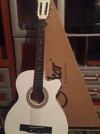 Продам гитару Joker