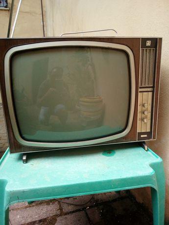 Vechi televizor Cu lampi italian