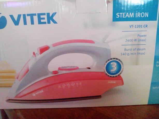 Срочно! Недорого!Новый паровой утюг Vitek 1201 розовый!