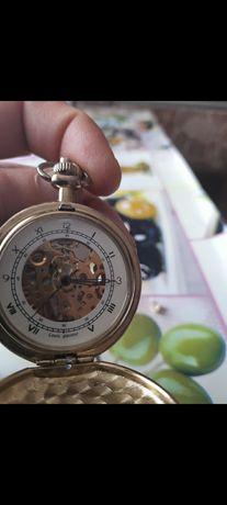 Ceas mecanic suflat cu aur