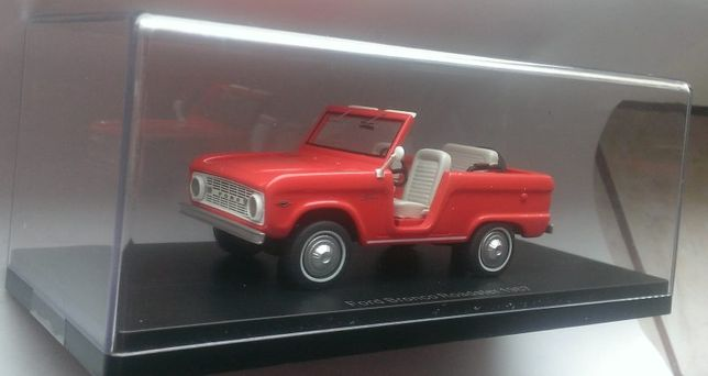Macheta Ford Bronco Roadster 1967 - NEO Models 1/43