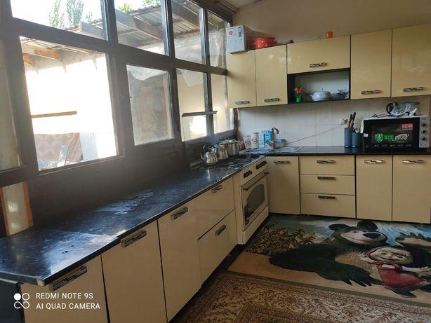 Кухонный гарнитур срочно продам