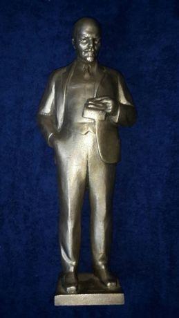 Скульптура В.И.Ленин из металла