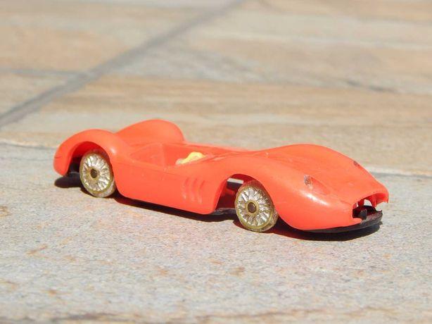 Macheta foarte veche plastic Maserati Sport 200/SI Norev 1:43 uzata