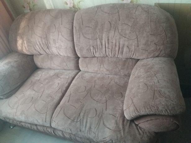 Продам полудиван и кресло
